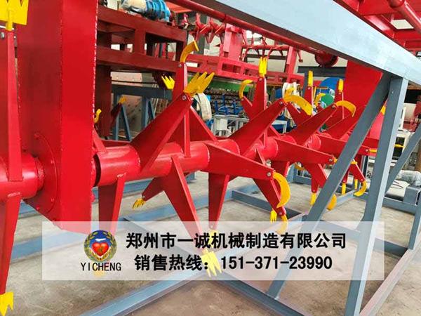 郑州易胜博ysb248网址4.75米鸡粪翻抛机生产现场