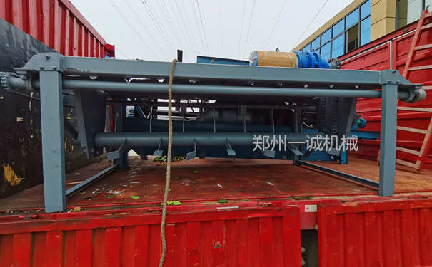 易胜博注册设备3米槽式翻耙机发往广西桂林
