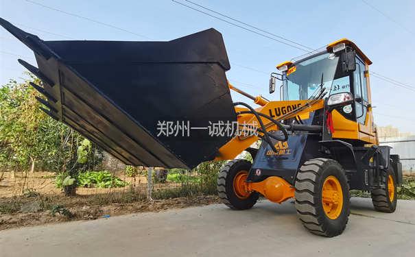 易胜博注册设备18型铲车翻堆机发往内蒙古呼和浩特